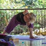 Duncan Hulin yoga at Basunti